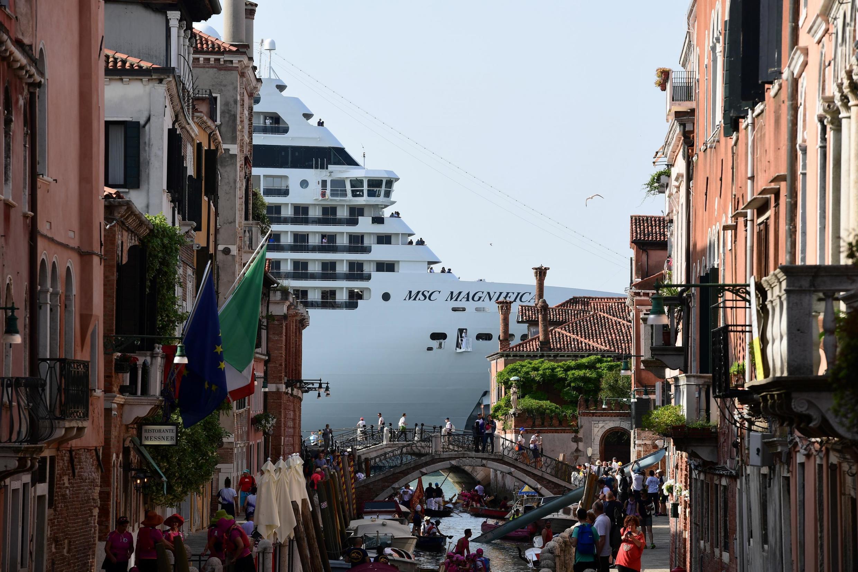 Venise veut s'unir avec d'autres ports contre les dangers des paquebots géants. Sur cette photo, le bateau de croisière MSC Magnifica, le 9 juin 2019 à Venise.