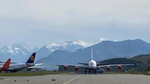 Aéronautique - Grand reportage - Pauline Gleize - En ce printemps 2021, Tarmac Aerosave accueille sur son site de Tarbes une petite centaine d'avions
