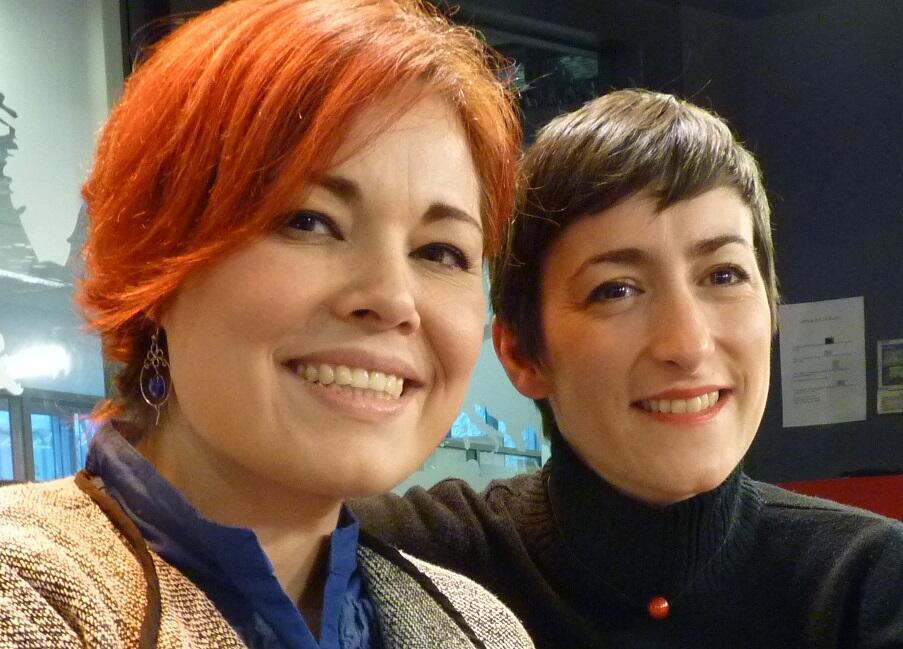Martha Murguía y Anne Sophie Vacher en los estudios de RFI