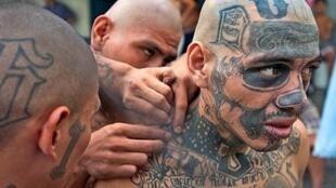 "Captura de Youtube del clip ""Dejen De Matar, Dejen De Joder"" - Abelitro (Para las maras en Centro América)"