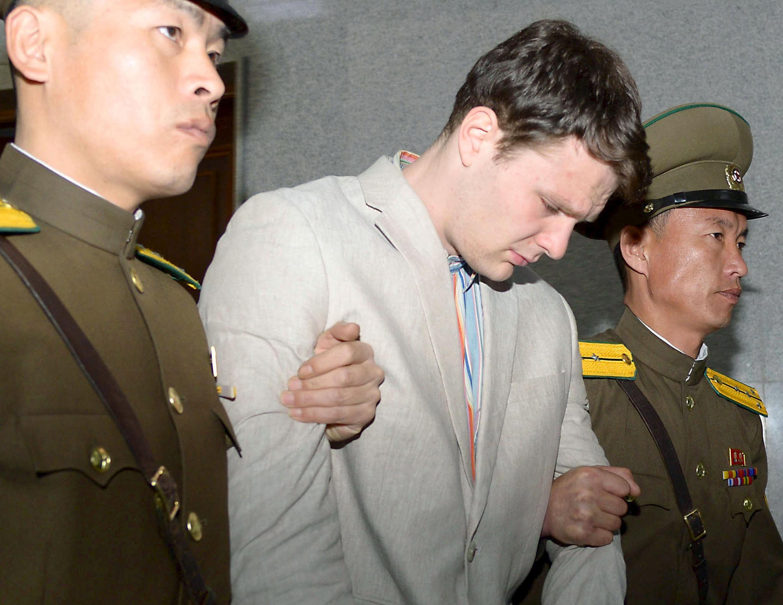 Sinh viên Mỹ Otto Warmbier tại tòa án ở Bình Nhưỡng, Bắc Triều Tiên. (Ảnh do Kyodo công bố ngày 16/03/2016)