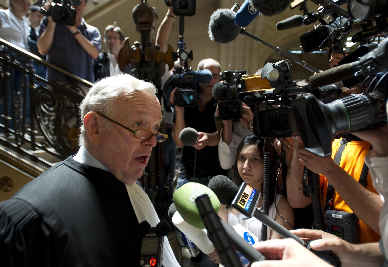Адвокат бывшего панамского диктатора Норьеги Оливье Мецнер в парижском Дворце юстиции 28 июня 2010 года