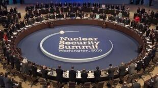 Le sommet mondial sur la sécurité nucléaire a eu lieu le 13 avril 2010,  à Washington.