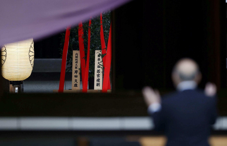 2021-10-17T080850Z_2093633406_RC2JBQ9LKH4U_RTRMADP_3_JAPAN-POLITICS (1)