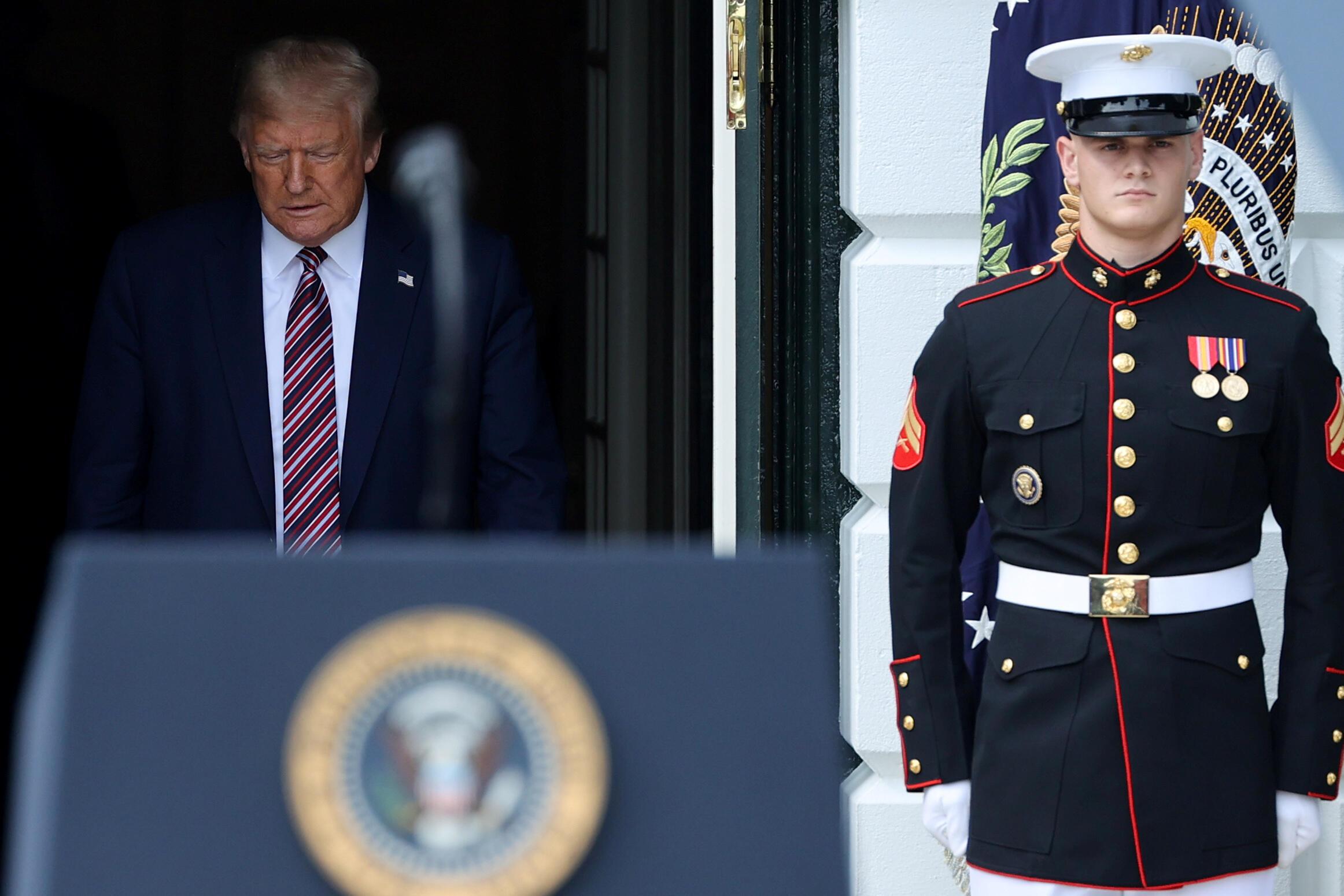 2020年7月16日,美国总统特朗普在白宫南草坪上举行的一次活动中讲话。