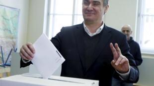 Croatia : Ảnh Thur tướng mãn nhiệm Zoran Milanovic bỏ phiếu bầu quốc hội mới ngày 7/11/2015, tại Zagreb.