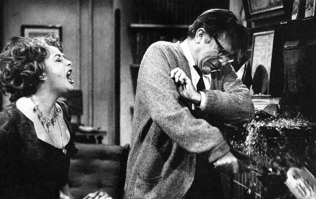 ریچارد برتون و الیزابت تایلور در فیلم چه کسی از ویرجینیا وولف میترسد: اوج بیماری زوج
