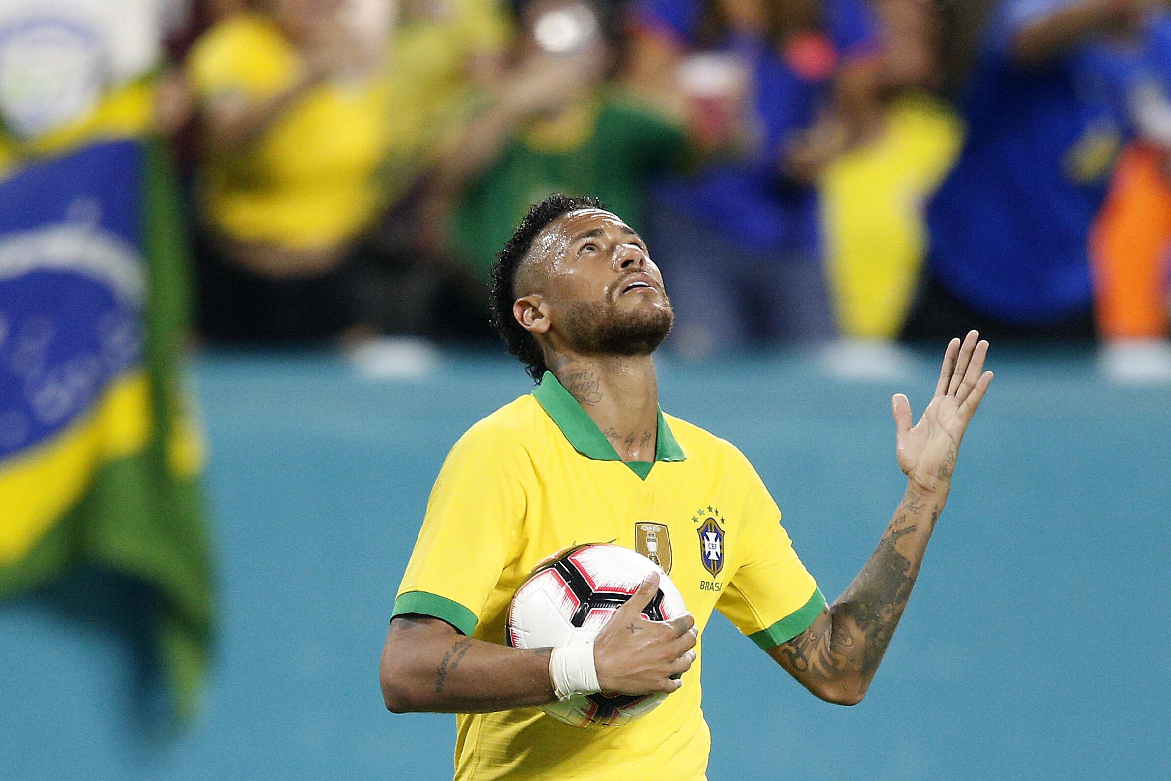 L'attaquant brésilien Neymar, après avoir égalisé contre la Colombie, lors de leur match amical, le 6 septembre 2019 au Hard Rock Stadium à Miami