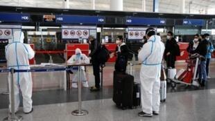 华人, 留学生回国更难了!新规发布, 登机前要做核酸检测!