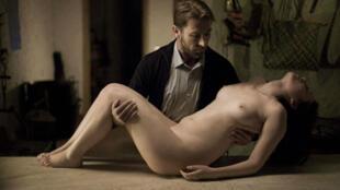"""""""Caníbal"""" de Manuel Martín Cuenca se estrena este miércoles en las salas de cine francesas."""