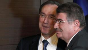 Turkish Interior Minister Idris Naim Sahin (R) and France's Claude Guéant in Ankara