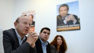 L'eurodéputé Jean-Luc Bennahmias (g), ici lors d'une conférence de presse à Marseille (photo d'illustration).