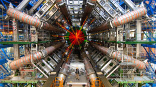 Le grand collisionneur  LHC.