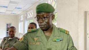 Le colonel Malick Diaw, vice-président du Comité national pour le salut du peuple (CNSP), arrive au ministère de la Défense malien pour une rencontre avec les partis de la majorité, le 20 août 2020.