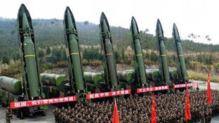 图为中国解放军(DF-16)一型导弹
