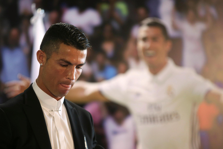 Bola de ouro volta para as mãos de Cristiano Ronaldo