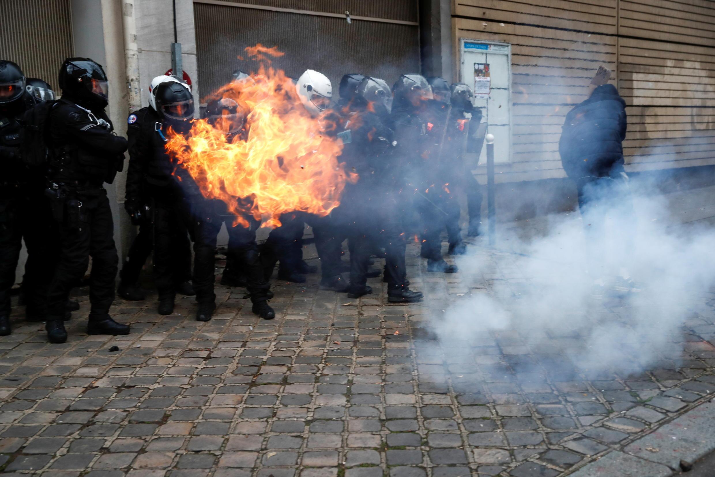 2020-12-05T163717Z_123913020_RC24HK9BGO5J_RTRMADP_3_FRANCE-SECURITY-PROTEST