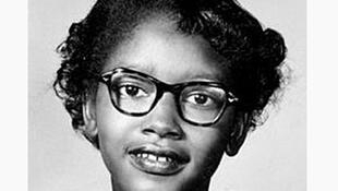Claudette Colvin, âgée de 13 ans, en 1953. Première personne arrêtée le 2 mars 1955, pour avoir résisté à la ségrégation raciale des autobus à Montgomery, en Alabama.