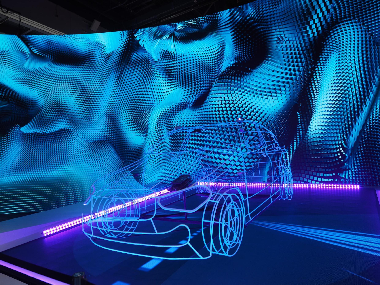 Les fabricants d'automobiles tentent d'aller au bout de leurs rêves d'autonomie et d'électricité.