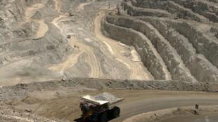 Vue de Rössing, la plus ancienne mine de Namibie exploitée depuis 1976 et qui devrait fermer en 2022.