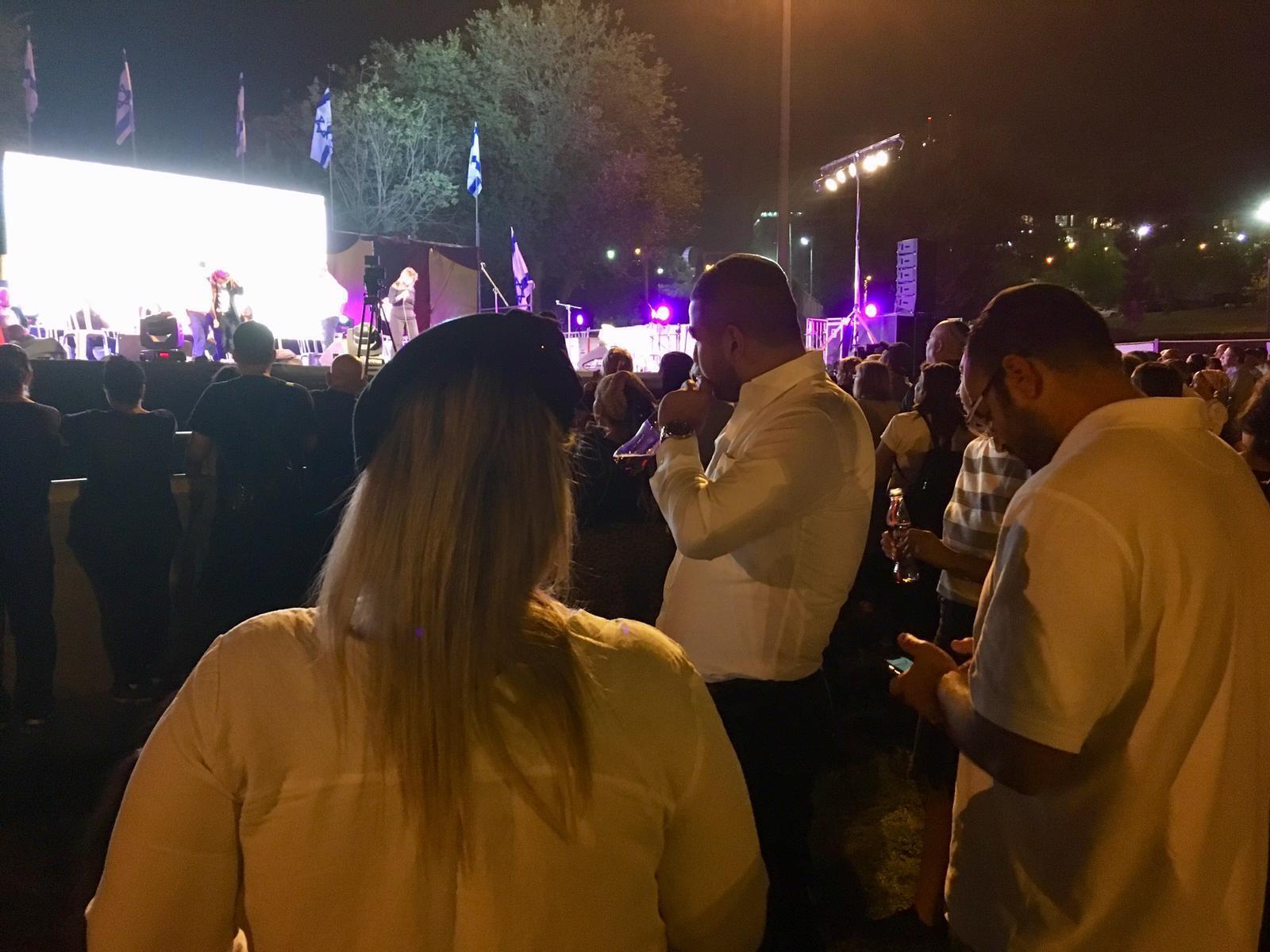 À Tel-Aviv, dans l'après-midi et à Jérusalem dans la soirée, plusieurs centaines d'Israéliens ont exprimé leur soutien aux Kurdes de Syrie face à l'opération militaire turque.