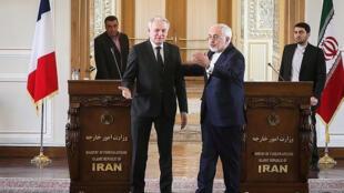 Ngoại trưởng Iran Mohammad Javad Zarif (phải) sau buổi họp báo với đồng nhiệm Pháp Jean-Marc Ayrault, Teheran, 31/01/2017.