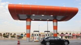 Una estación de servicio en Riad, Arabia Saudita, 22 de diciembre de 2015.