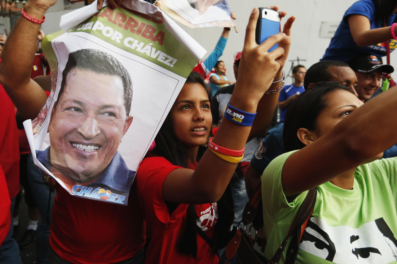 Partisans de Hugo Chavez en meeting à Caracas le 17 septembre 2012.