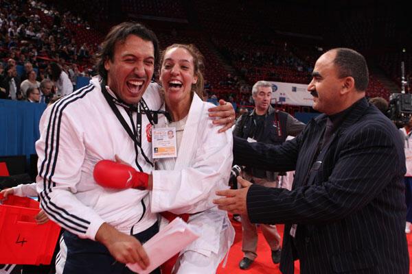 Mohamed Jomaa l'entraîneur national, Boutheina Hasnaoui et Boulares Mongi le président de la Fédération tunisienne de karaté.