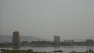 Bamako, la capitale du Mali, au bord du fleuve Niger.