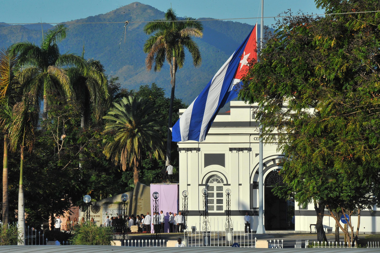 Makaburi ya eneo la St Iphigenia mjini Santiago de Cuba, yalipigwa picha kwa umbali wakati wa mazishi ya Fidel Castro siku ya Jumapili tarehe 4 Desemba.