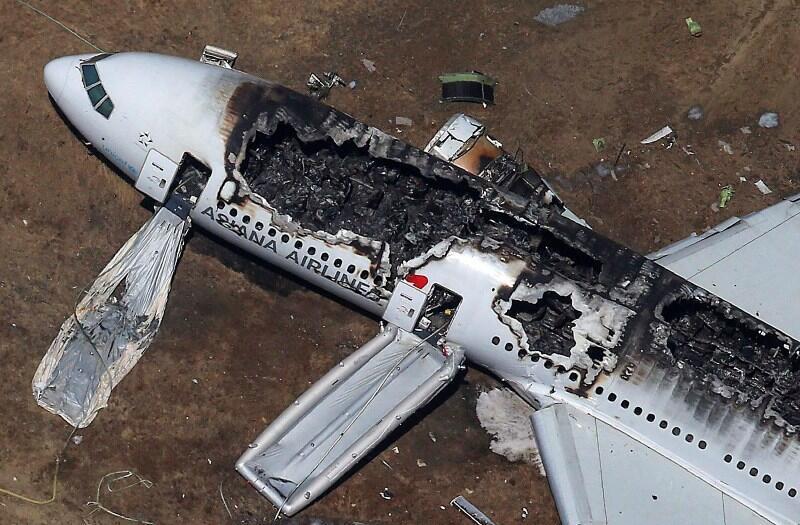 Разбившийся в Сан-Франциско Boeing 777 компании Asiana Airlines 6 июля 2013.