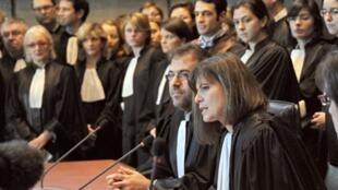 En France, il n'y a  que 10 magistrats pour 100 000 habitants, soit deux fois moins que la moyenne des Etats européens.