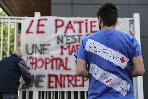 Le plan du gouvernement arrive après 8 mois de grève (ici à la Pitié Salpêtrière, le 15 avril).