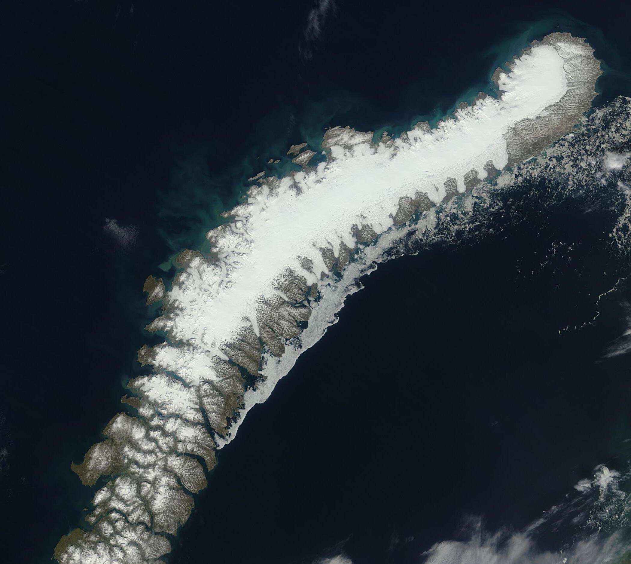 Vue satellite de l'archipel de Nouvelle-Zemble qui est quasiment inhabitée.