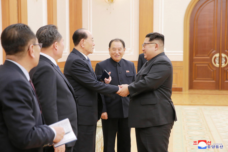 Kim Jong Un tiếp phái đoàn BTT từ Pyeongchang, Hàn Quốc, trở về. Ảnh ngày 13/02/2018.