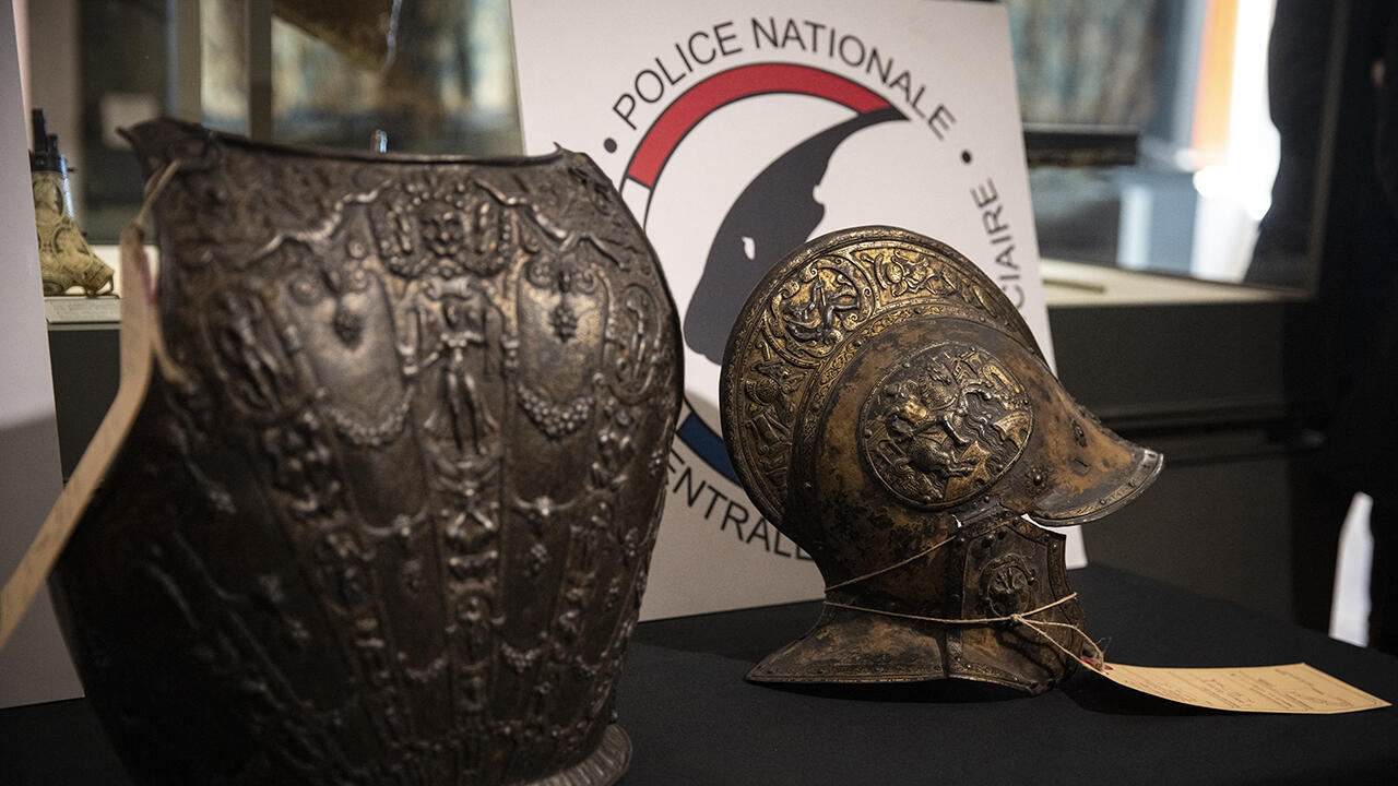 Armures restituees au Louvre