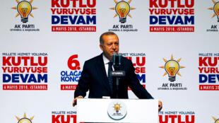 Presidente turco, Recep Tayyip Erdogan, realiza comício em Istambul, onde iniciou a carreira política. 06/05/2018