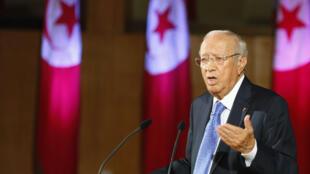 Thủ tướng Tunisia, ông Beji Caid Sebsi trong một cuộc hội thảo với các tổ chức xã hội công dân và các đảng phái chính trị tại Tunis, ngày 18/8/11.