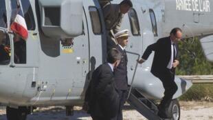 François Hollande, à son arrivée à Toulon pour les cérémonies de commémoration du 70e anniversaire du débarquement de Provence.