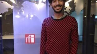"""Danilo Lovisi, mediador cultural e curador da exposição virtual """"Tomar Corpo, Prendre Corps""""."""