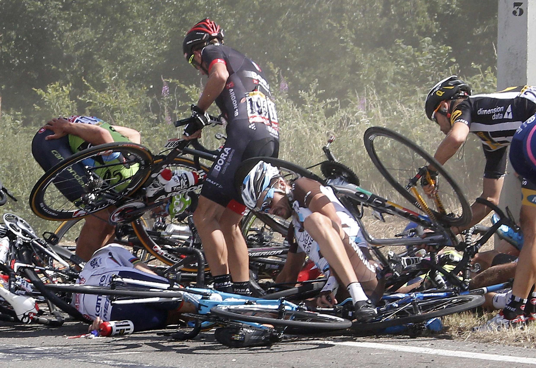 Les chutes font partie de l'histoire du Tour de France.