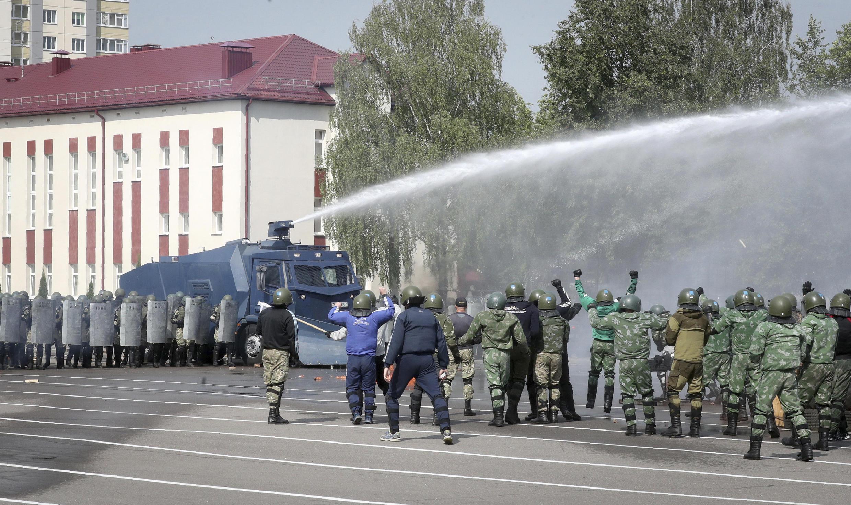 Учения внутренних войск МВД Беларуси по разгону демонстраций 28 июля 2020.