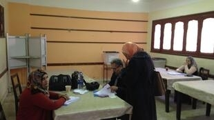 Local de votação no Cairo: o Egito inicia hoje os três dias de eleições presidenciais