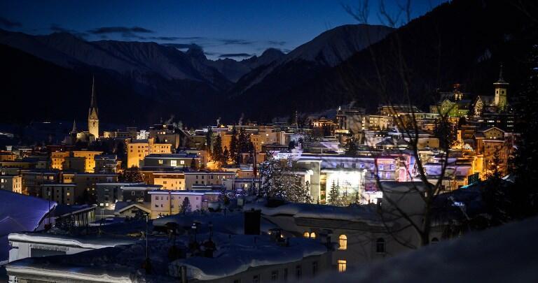 چهل و نهمین اجلاس مجمع جهانی اقتصاد در حالی روز سه شنبه در داووس سوئیس گشایش یافت که شکاف میان فقرا و ثروتمندان و نابرابری اقتصادی در جهان هیچگاه تا اندازه امروز عمیق و گسترده نبوده است.