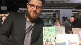 O italiano Roberto Parmeggiani escreve literatura infanto-juvenil em português.