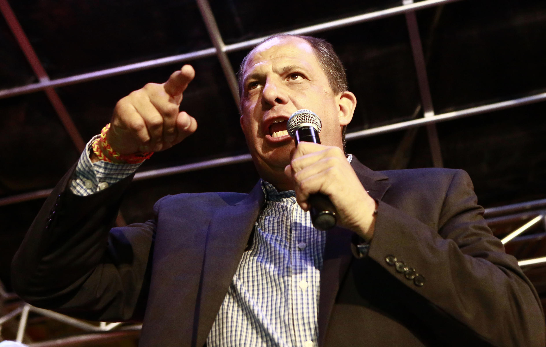Luis Guillermo Solís, candidato presidencial de centro disputará em abril o segundo turno pela presidência da Costa Rica.