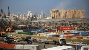 Le port de Beyrouth endommagé après l'explosion, le 12 août 2020.