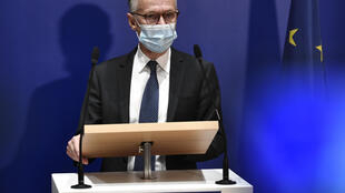 Anti-terrorist prosecutor Jean-François Ricard speaks during a press conference he gave on September 29, 2020 in Paris