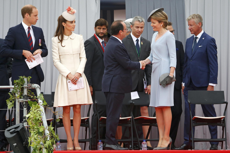 El Príncipe William, su esposa Kate Middleton, François Hollande y la Reina Matilde de Bélgica, este 4 de agosto en Lieja.